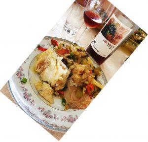 Bacalhau e vinho.