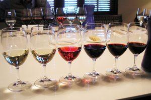 Taças com vinhos
